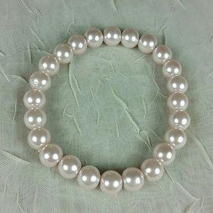 Bracelet Light pink pearly bead stretch